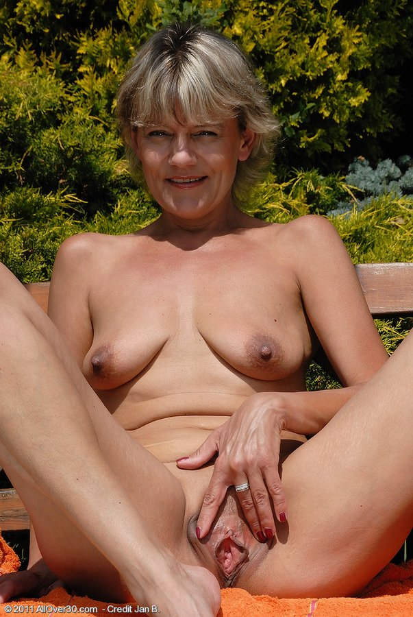Nude Mature Women, Mature Ladies, Naked Old Women