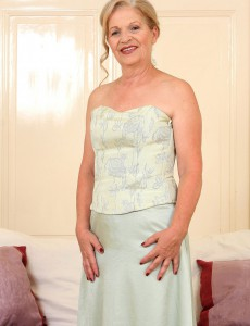 Elegant and  Hot 62 Year Old Nelli from  Onlyover30 Strutting Her Stuff