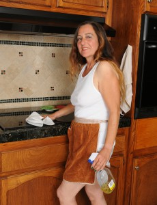 47 Year Old Nicola Cracks from Housework to Spread Wooly Cunny
