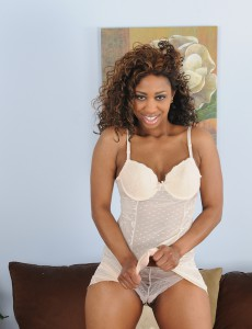 31 Year Old Black Milf Jade Nicole Putting on an Perverse  Striptease