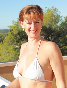 Redheaded  Cougar Liddy from  Onlyover30 Comes to a Conclusion to Go Slim Dipping