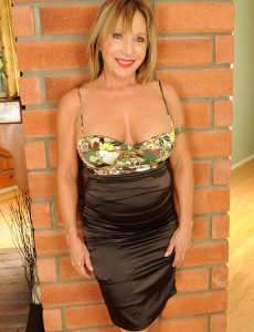 Hot Granny Luna Slips off Her Elegant Dress and  Opens Her Slit Broad