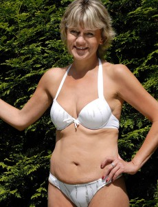 45 Year Old Golden-haired  Wifey Sherry D Loving Her Backyard Nude