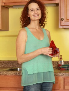 Redheaded 49 Year Old  Wife Gloria M Getting  Nude Inwards the Kitchen