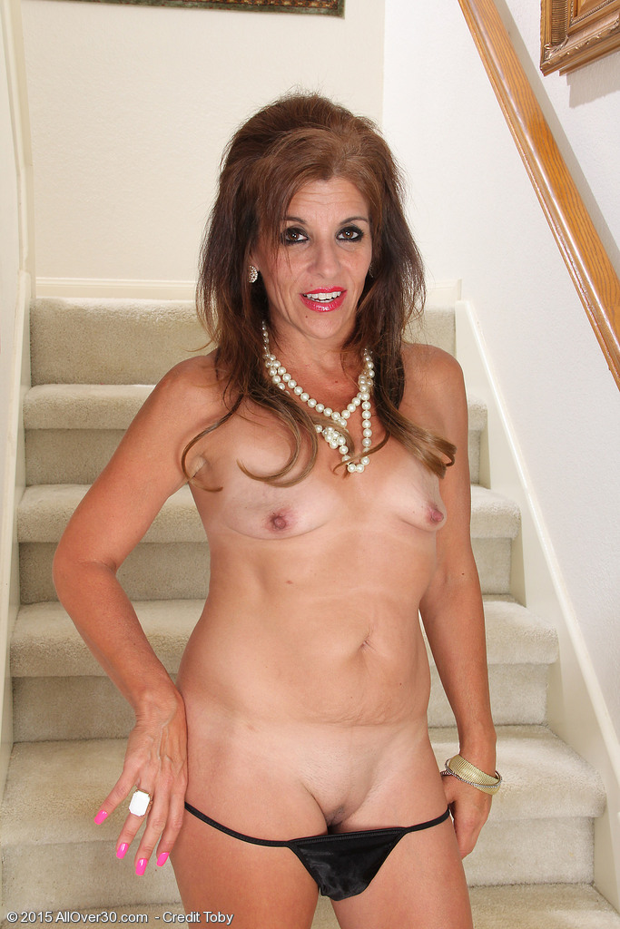 Beautiful 30yearold milf is indecent man 10